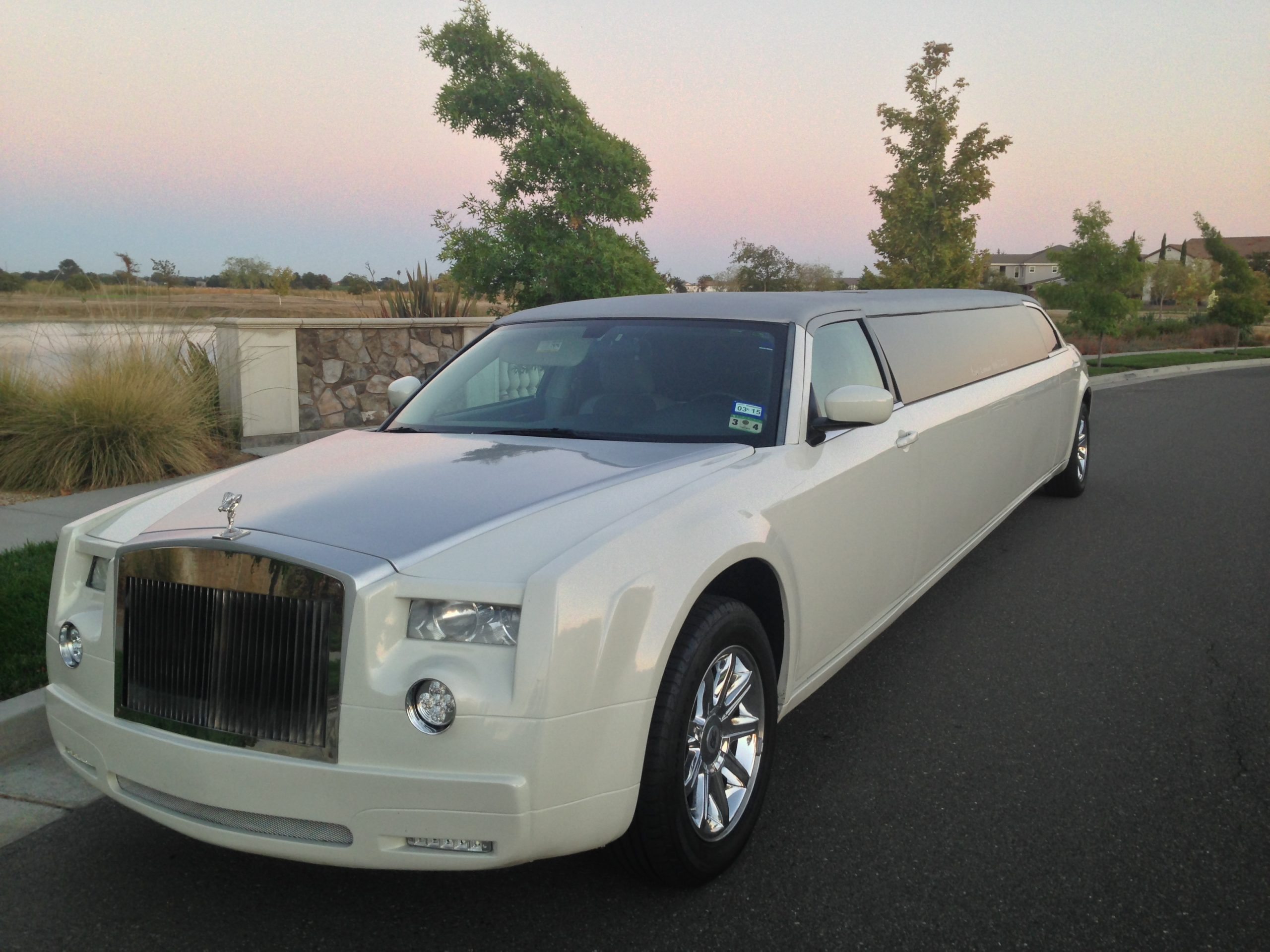 Rolls Royce Style Limo