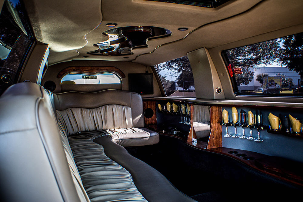 sweet 16 [party transportation tampa limo company