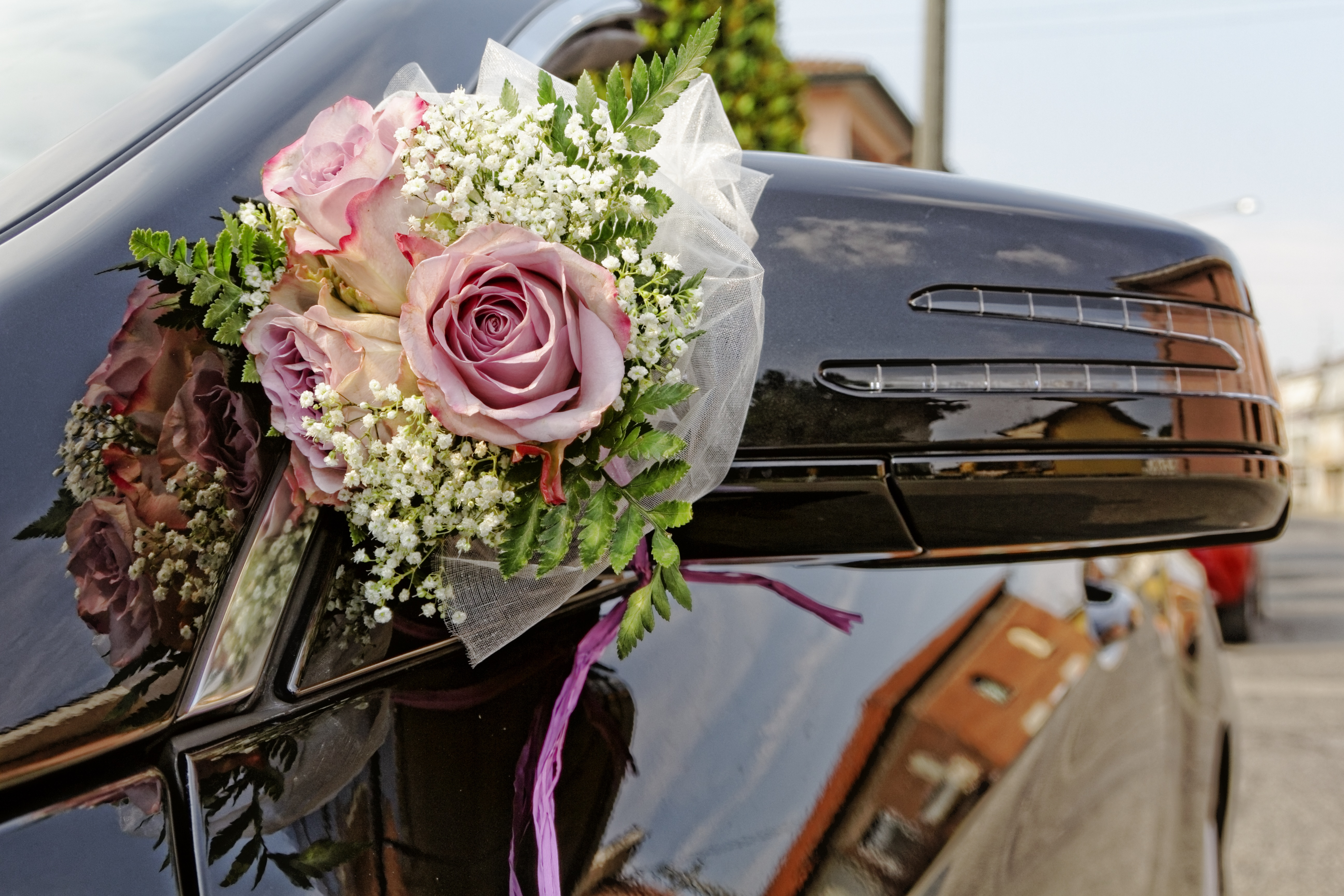 flower bouquet rose decoration romance auto luxury sedan wedding transportation