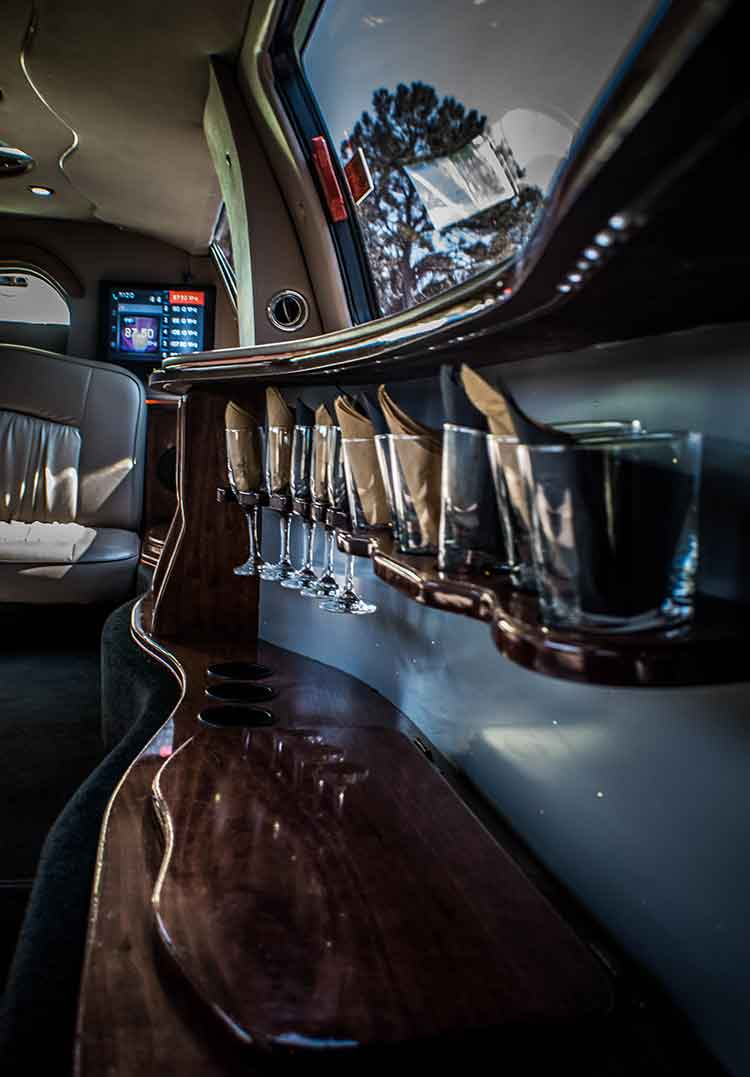 opt for luxury car service clearwater limo service